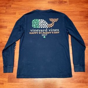 Vineyard Vines St. Paddy's Day spellout tee sz S